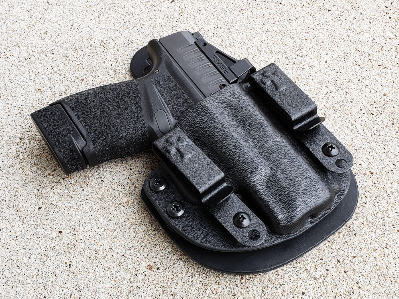 CrossBreed Reckoning holster with a Hellcat