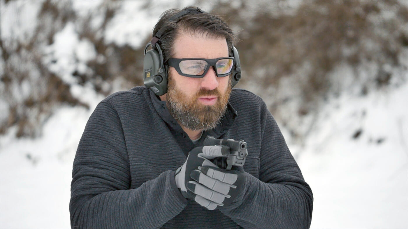 Training on the range with the Mantis X3 and the Hellcat pistol