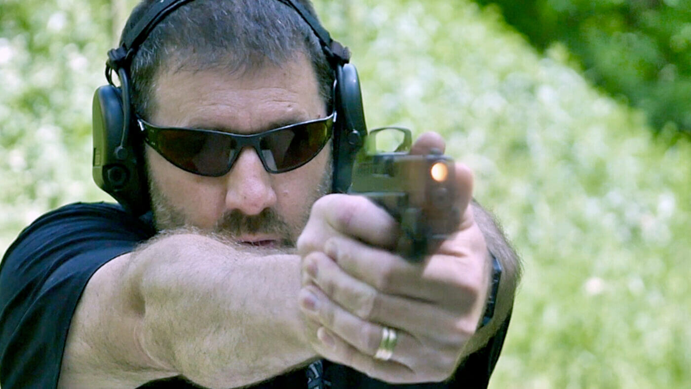 Paul Carlson shooting the Hellcat and measuring recoil with the Mantis X10 Elite