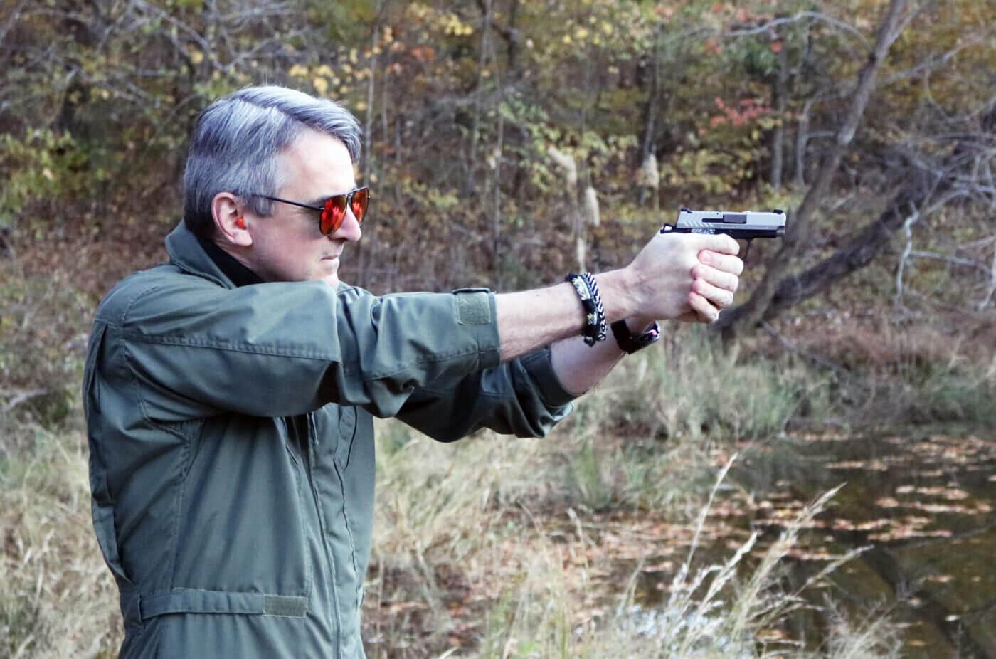 Will Dabbs shooting the Springfield 911 handgun