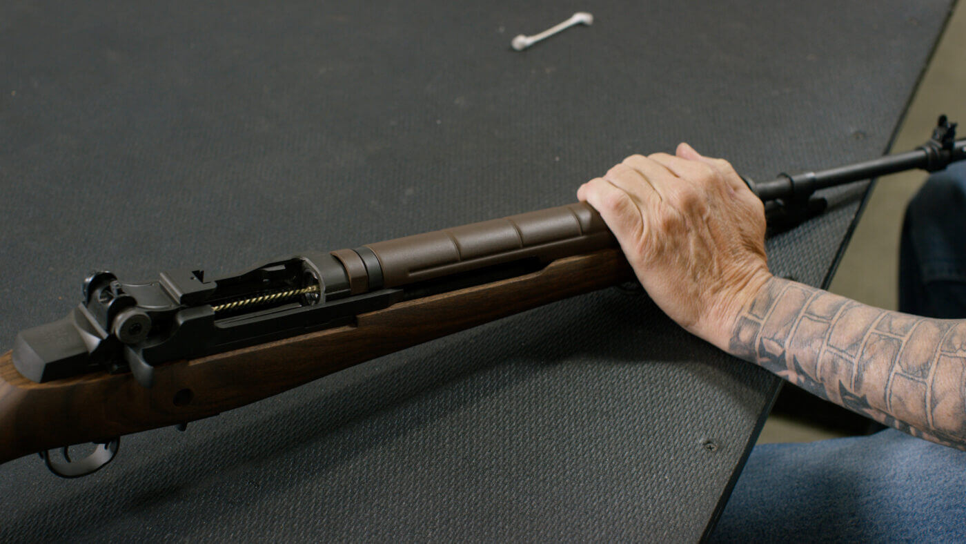 Cleaning the bore of the M1A rifle