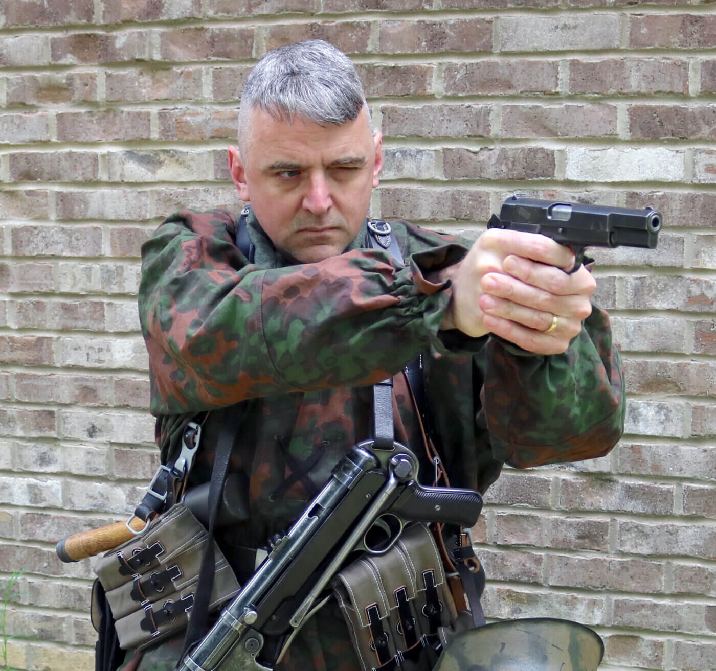 Soldier shooting German Pistole 640(b)