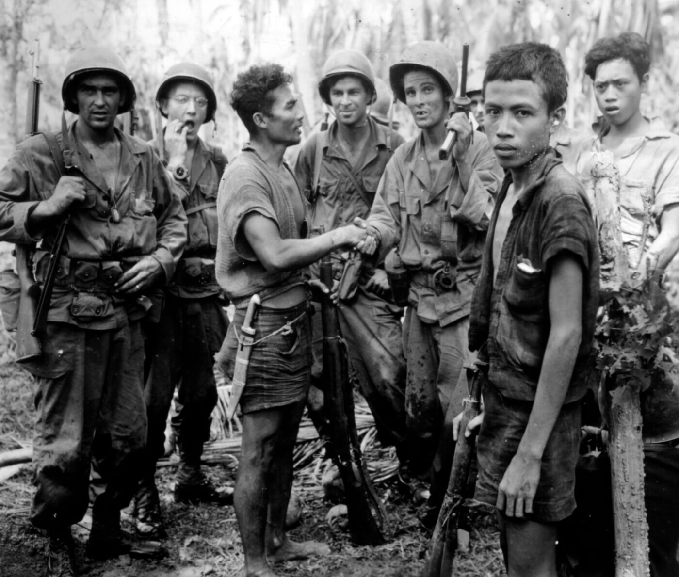 19th Infantry Regiment connect with Filipino guerrillas