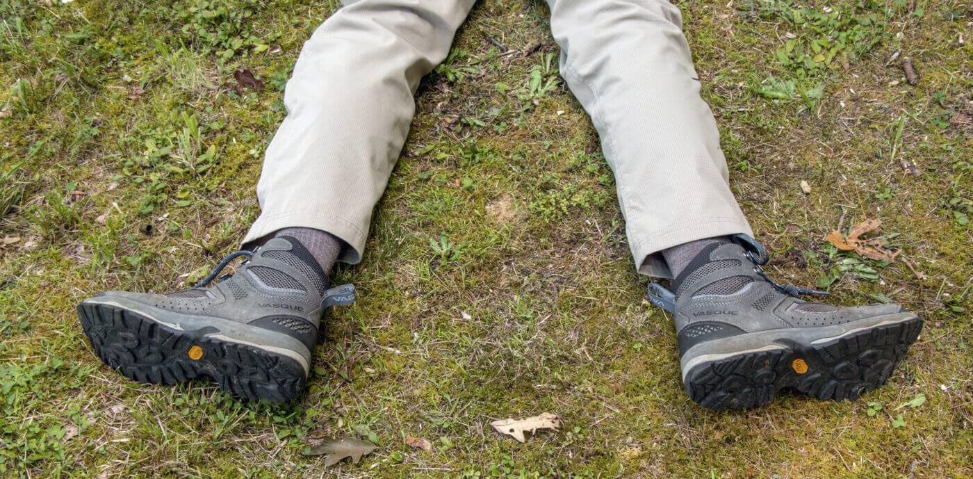 Foot positioning when shooting a rifle prone