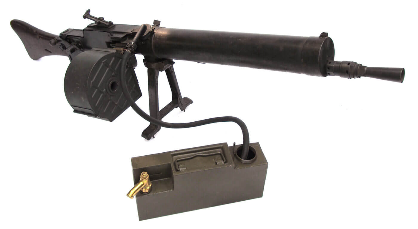 MG08/15 with water can