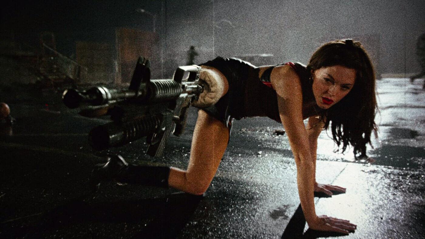 Leg gun with actress Rose McGowen