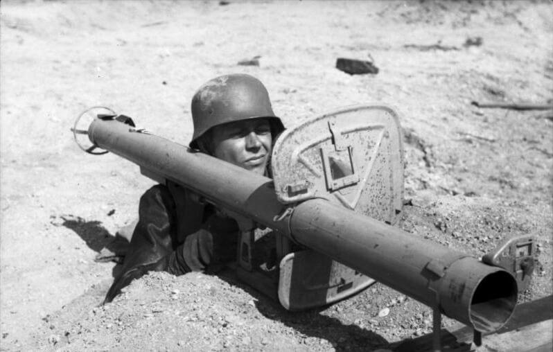 Panzerschreck in use