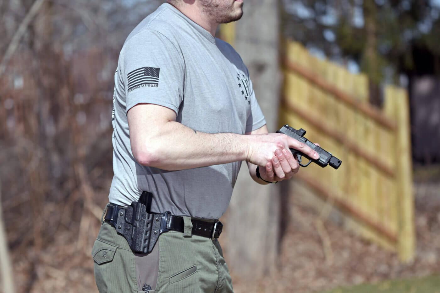 Drawing Hellcat RDP pistol from DeSantis holster