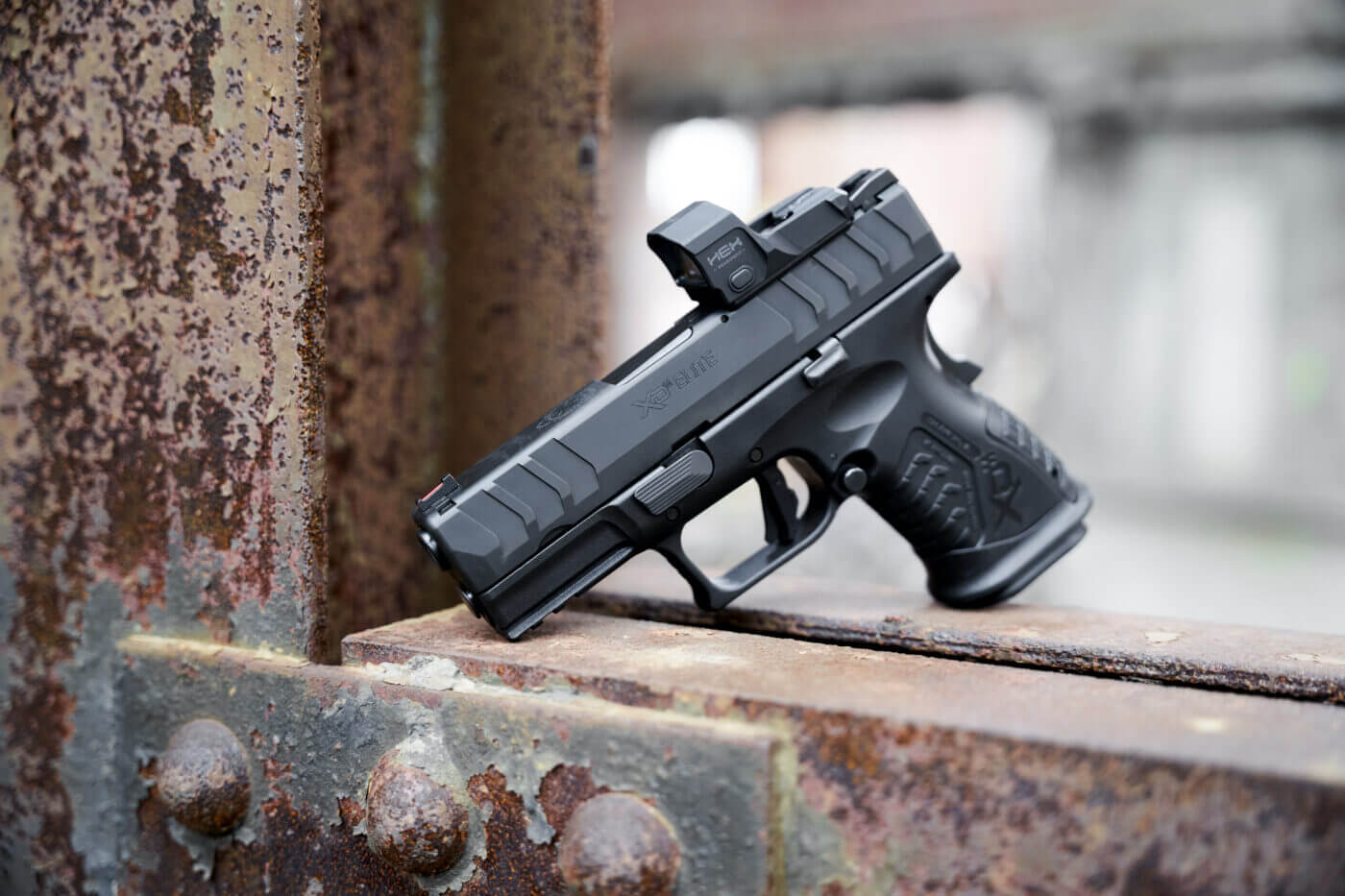 HEX Dragonfly mounted on XD-M Elite Compact pistol