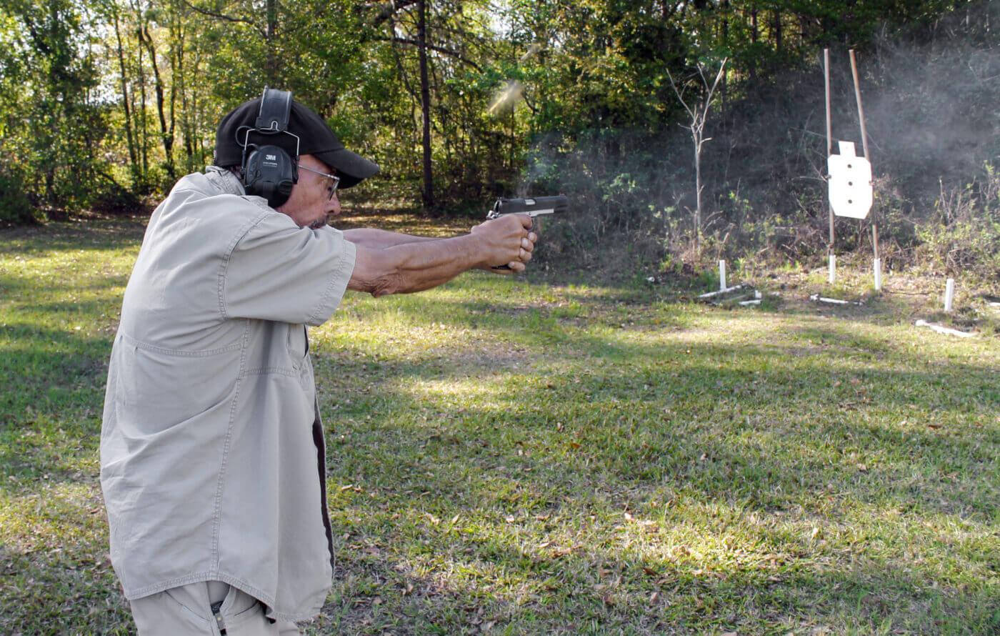 Massad Ayoob shooting a Ronin