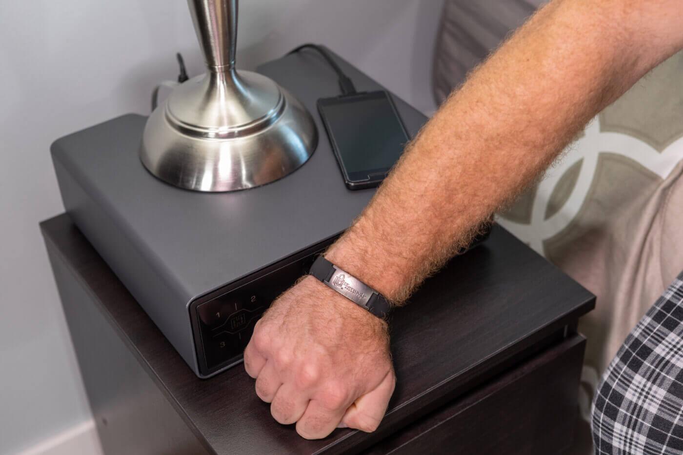RFID band opening gun safe