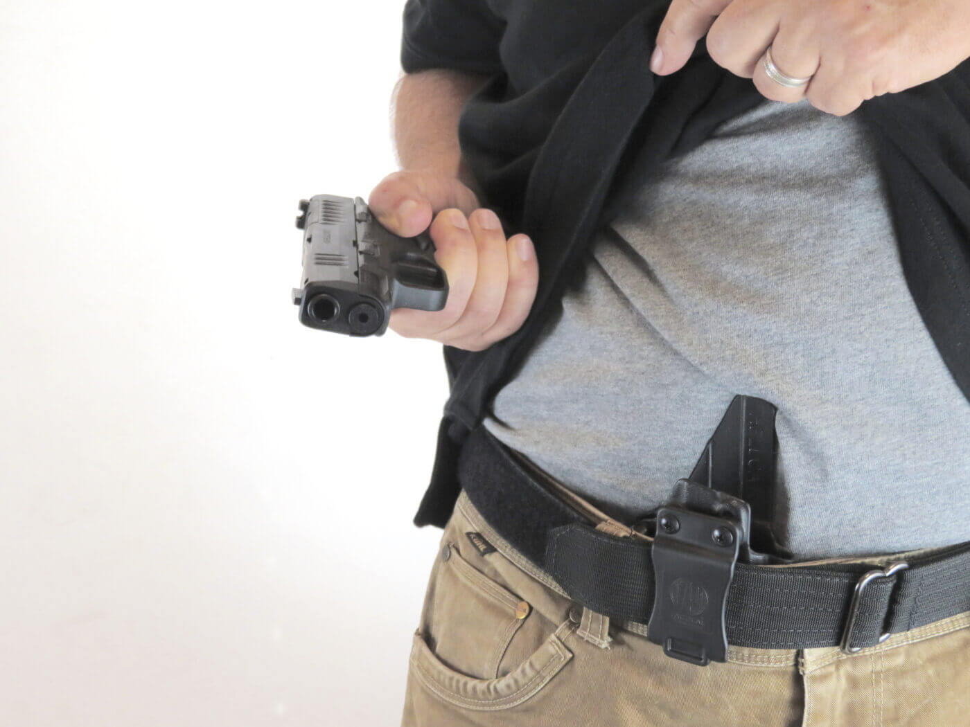 Drawing a CCW pistol from appendix concealment position