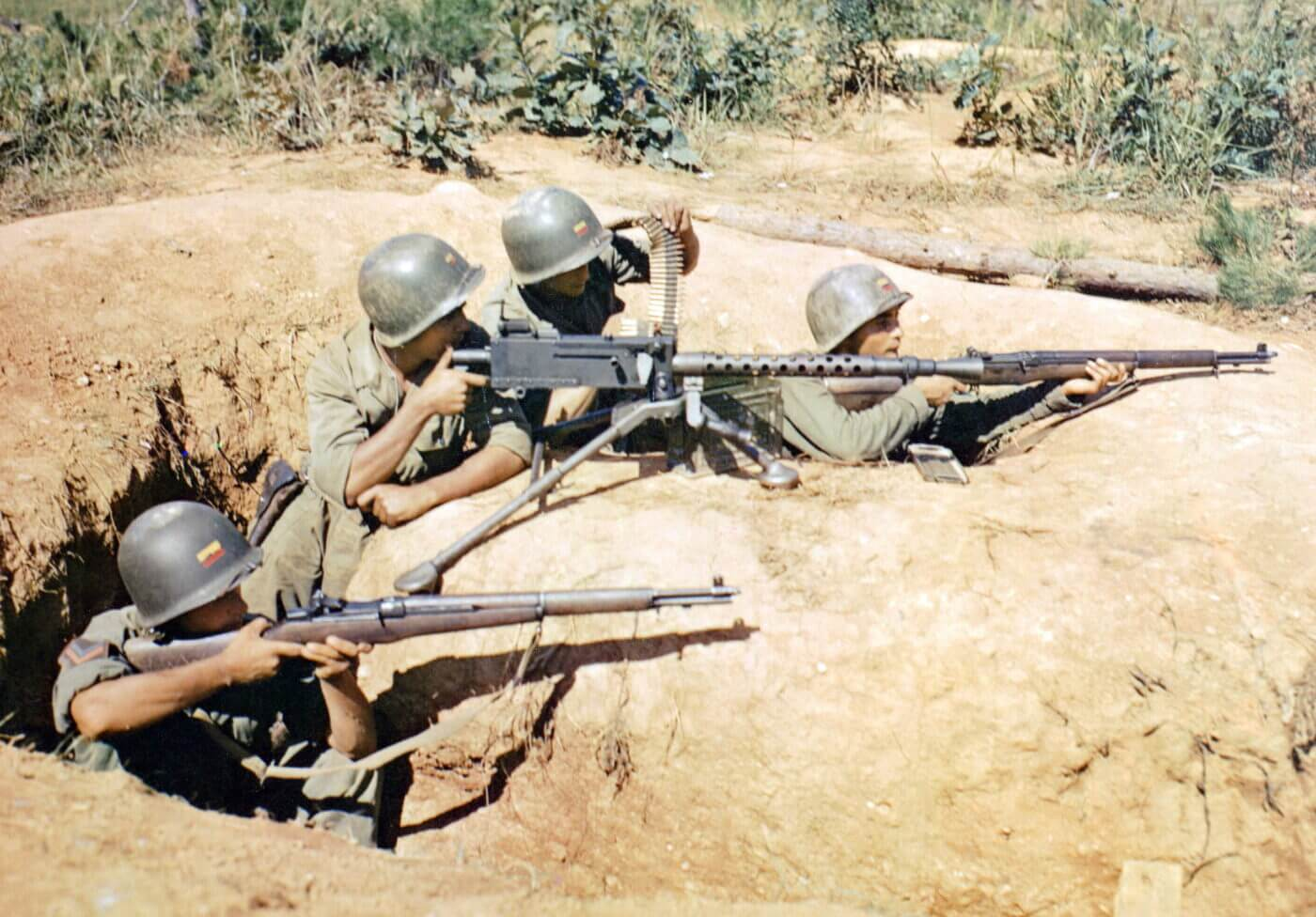 Columbian troops in the Korean War with the M1 Garand rifle