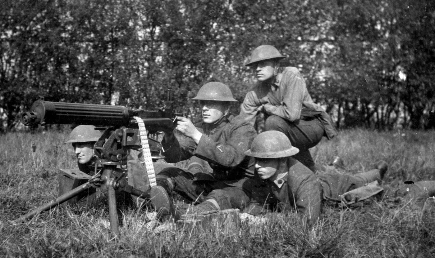 Vickers machine gun team in WWI