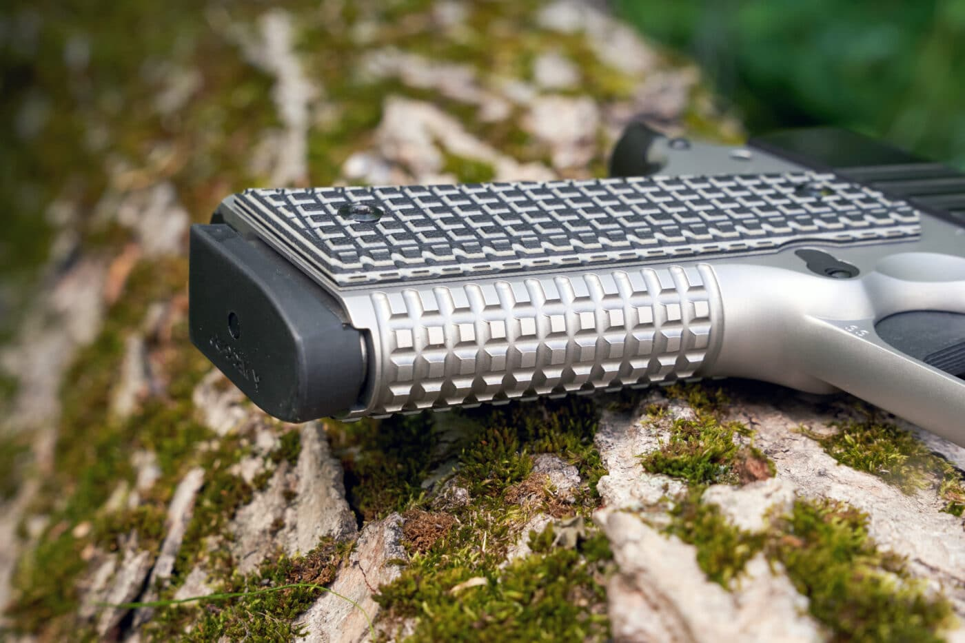 G10 grip panels on Springfield Emissary pistol