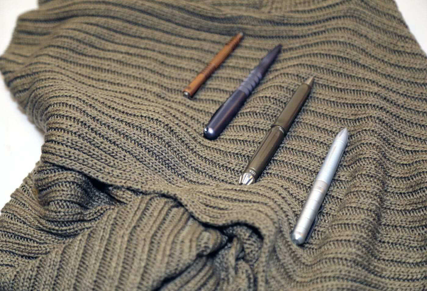 Different kinds of tactical pens