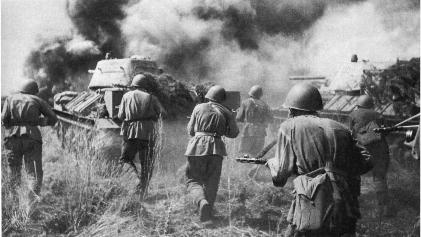 Soldiers and tanks in the Battle of Kursk