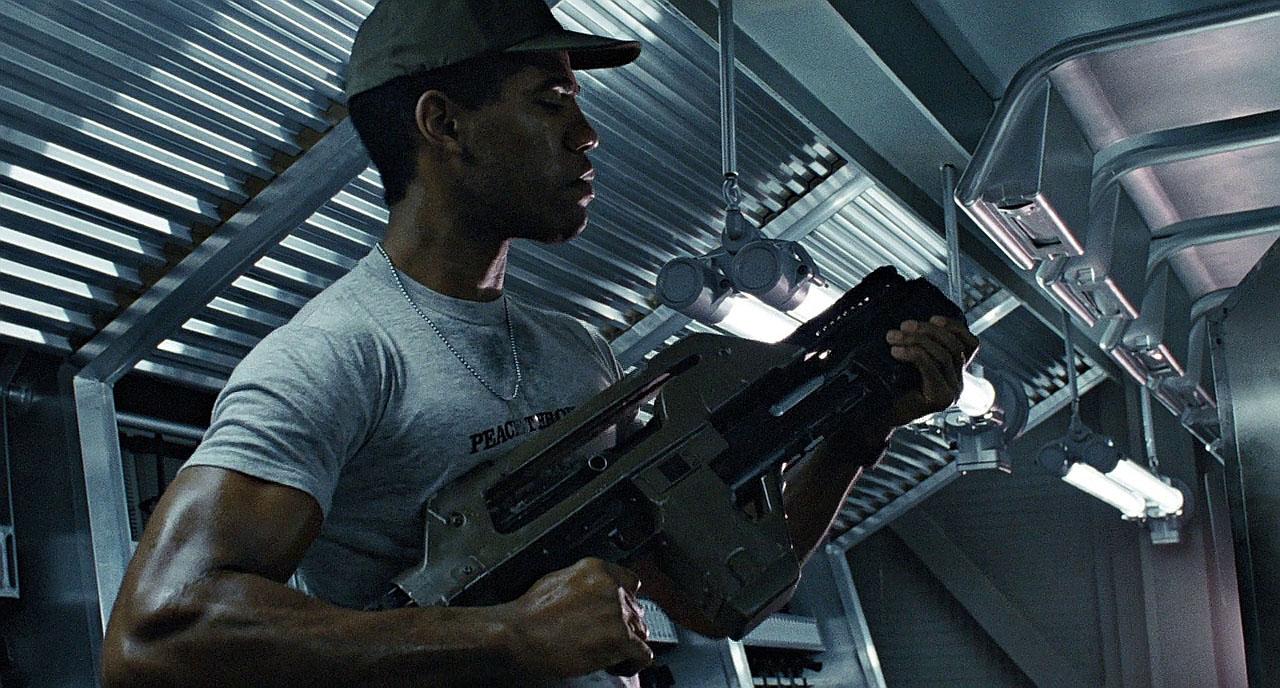 Pulse rifle in movie Aliens