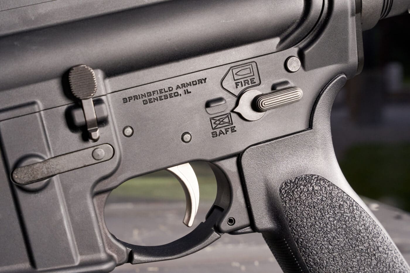 AR-15 safety control and trigger on SAINT rifle